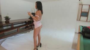 Confira o ensaio sensual da nova participante: Carolina Carioca