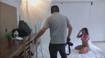 Rebecca Santos posa para ensaio sensual na Casa das Brasileirinhas