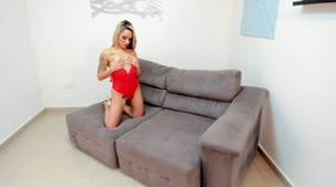 Barbara Alves nua em ensaio sensual na Casa
