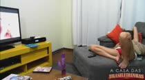 Moreninha gostosa se masturbando na webcam ao vivo