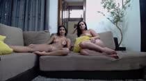 Chat de sexo com Thiara Fox e Safira Prado