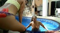 Bruna Ferraz e Alessandra Maia estão animadas no primeiro dia na casa!