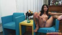 Ninfeta mostra sua buceta gostosa na webcam sem vergonha