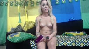 Hora do chat de sexo com a loirinha Barbara Alves