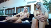 Chat de sexo noturno com Bruna e Mirella