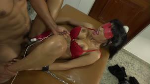 Alessandra Smith recebeu aquela massagem AO VIVO