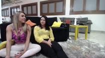 No chat de noite, Fernandinha e Dani exibiram o corpão