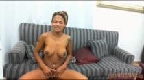 Chat de sexo ao vivo com a morena Emily Brasil falando muita sacanagem